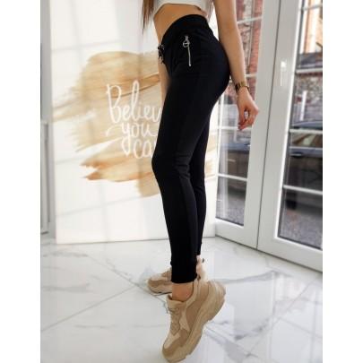 Černé dámské teplákové kalhoty uy0757