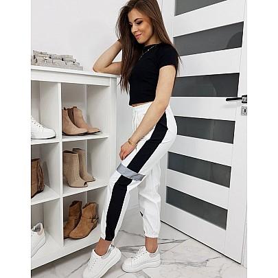 Bílé pohodlné dámské teplákové kalhoty uy0234
